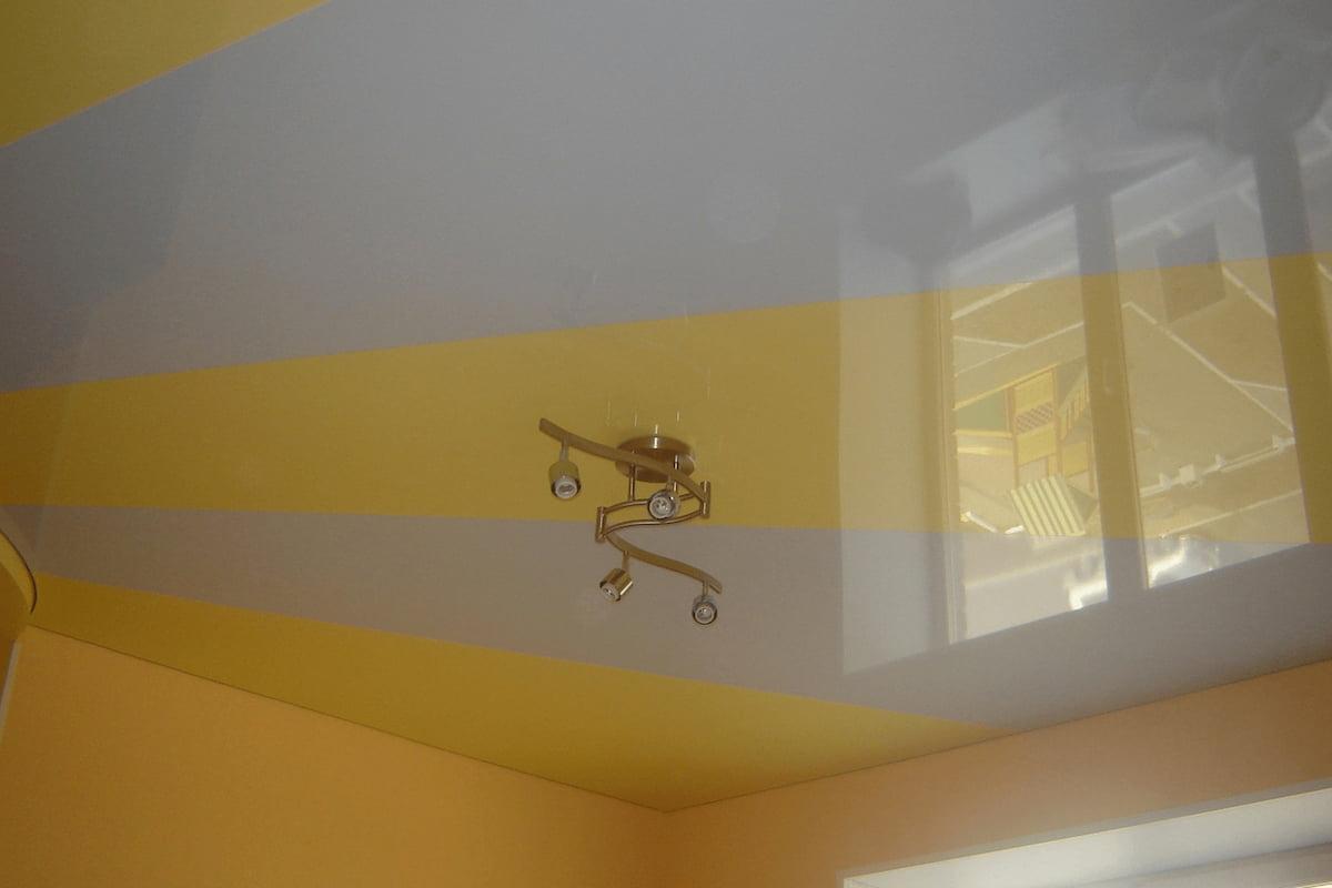 Двухцветный потолок #19