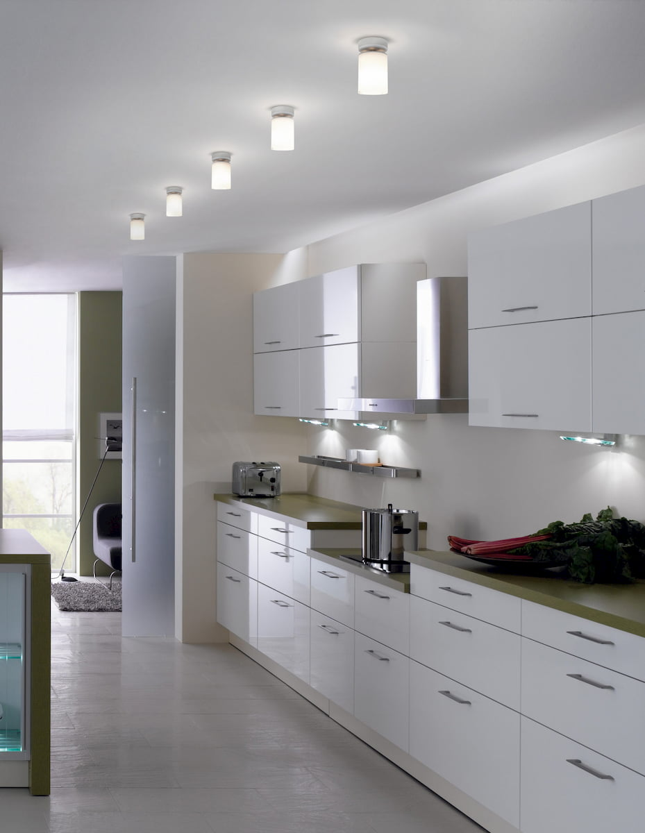 Потолок с точечным светильником #1